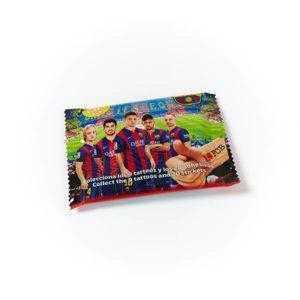 Chicle del FC Barcelona con adhesivo y tatuajes